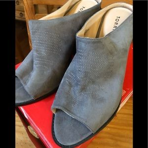 Beautiful grey faux suede western mules